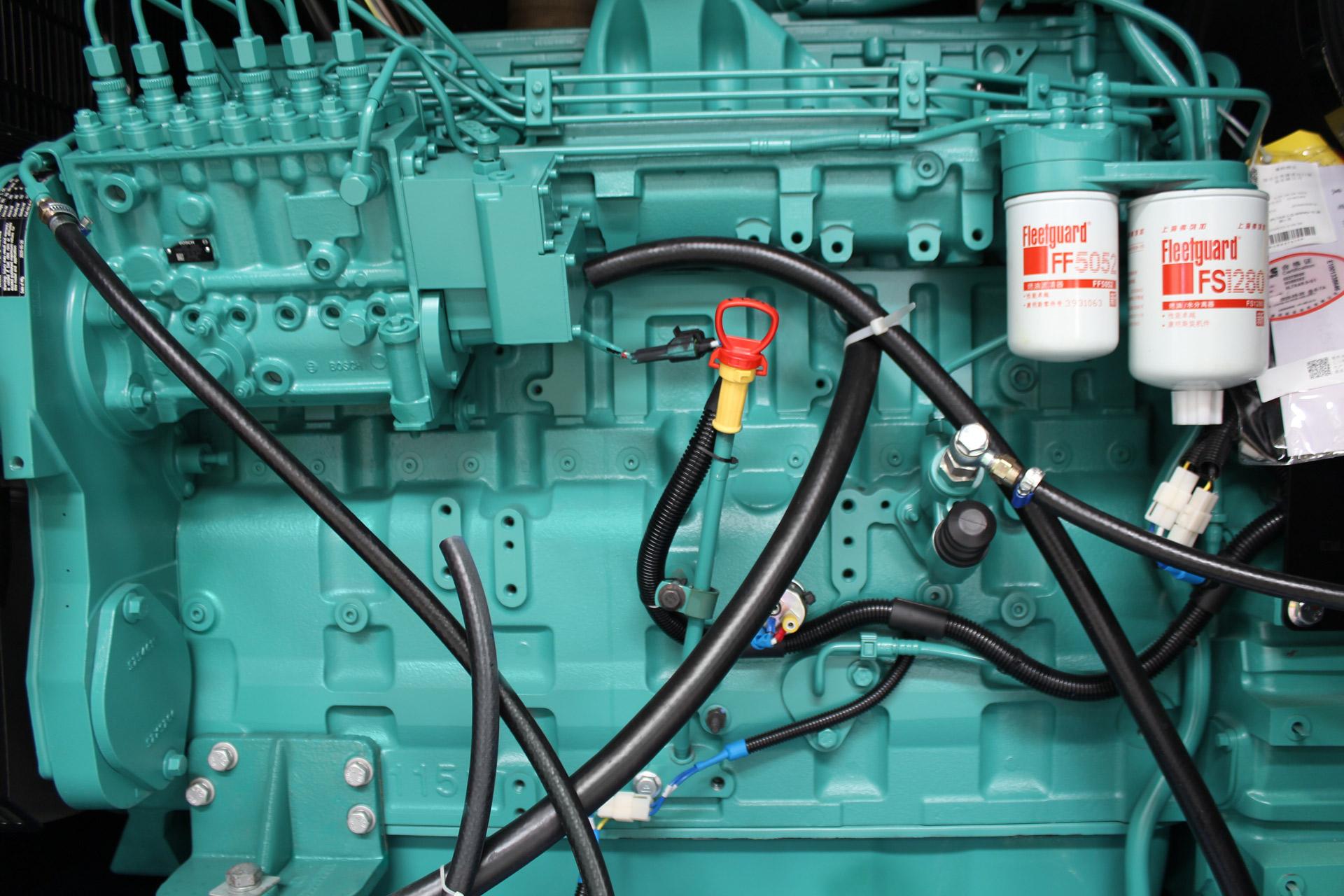Cummins 6LTAA9.5 9.5 litre diesel engine within Evopower generator