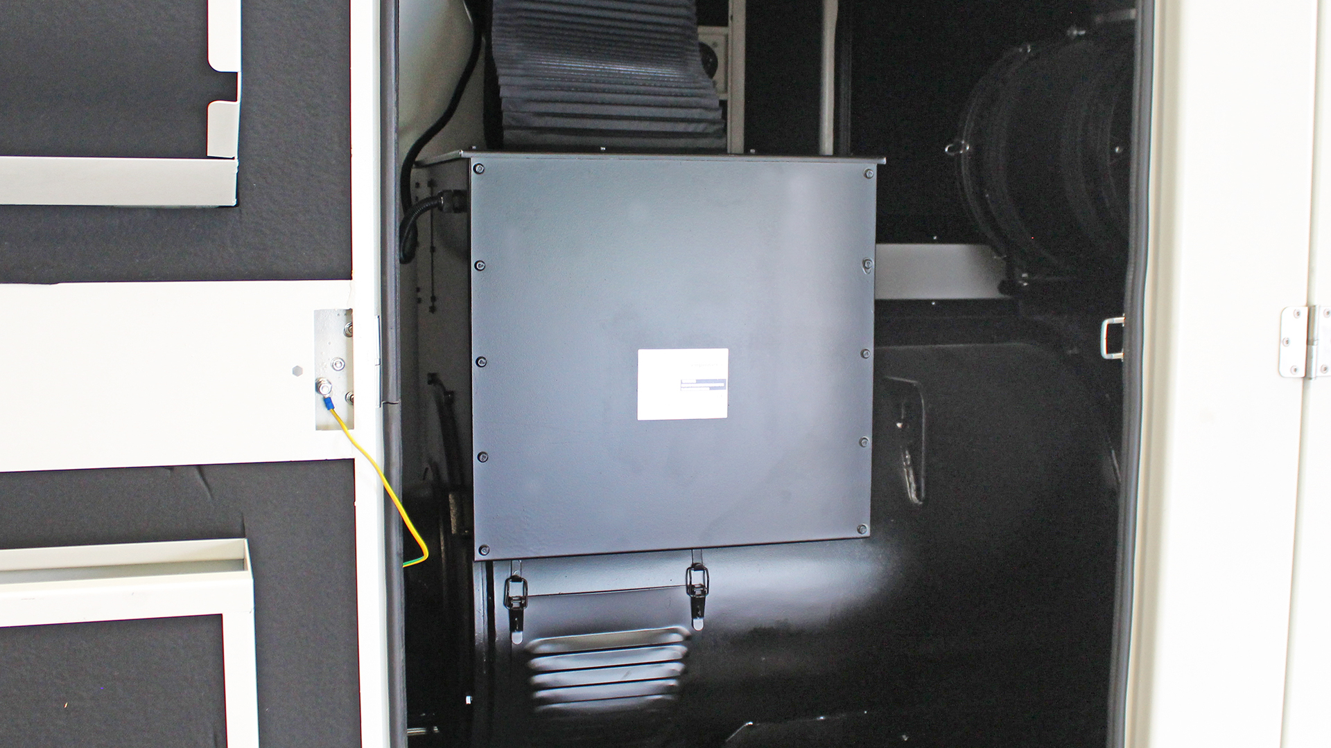 500kVA alternator within UKC500ECO generator